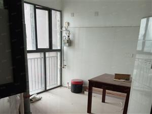 金象广场二期临街有三室两厅的办公室出租