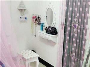 万达华城、标准一室一厅、设备齐全、拎包入住