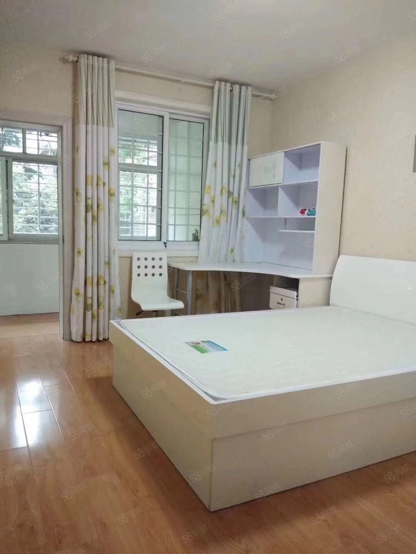 宝运花园3室2厅精装修带全套家具家电拎包入住