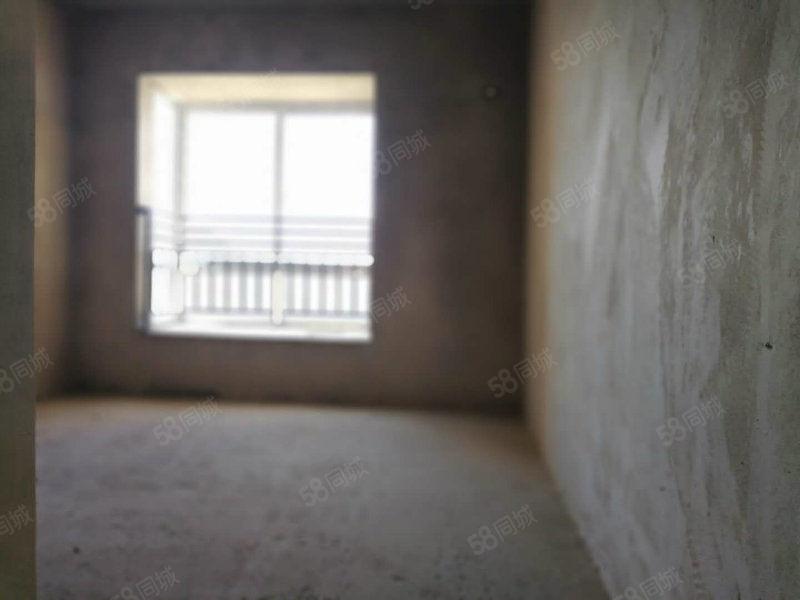 仁山公园桂花苑电梯房单价低证件都在一批一批的办下来