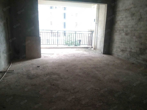 锦绣花园电梯3房仅售57万