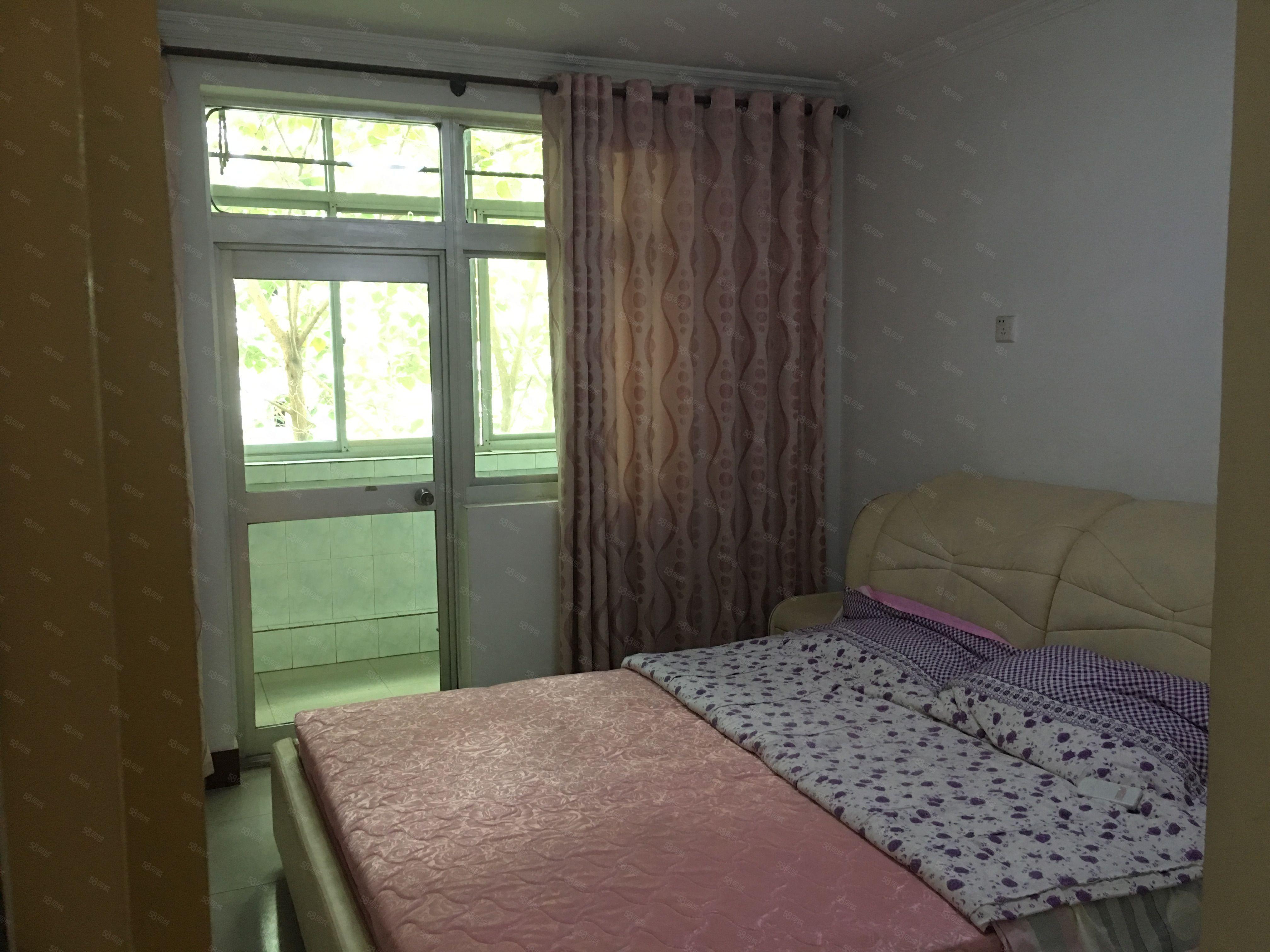金旭路滨河小区两室低楼层业主诚心出租