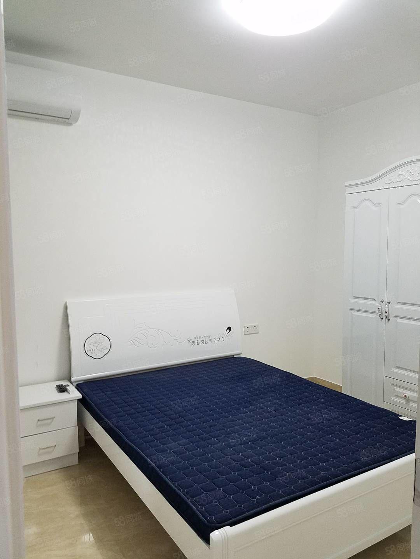 万达华城一室一厅一卫带阳台出租精装修设备齐全出租