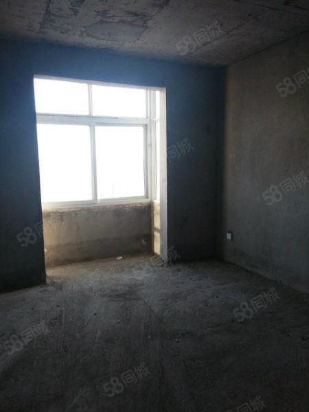 东城鼎盛苑七楼三室两厅带证可按揭