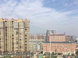 鑫荣佳园,新妇幼对面,82平米,电梯高层2房,仅售21万!