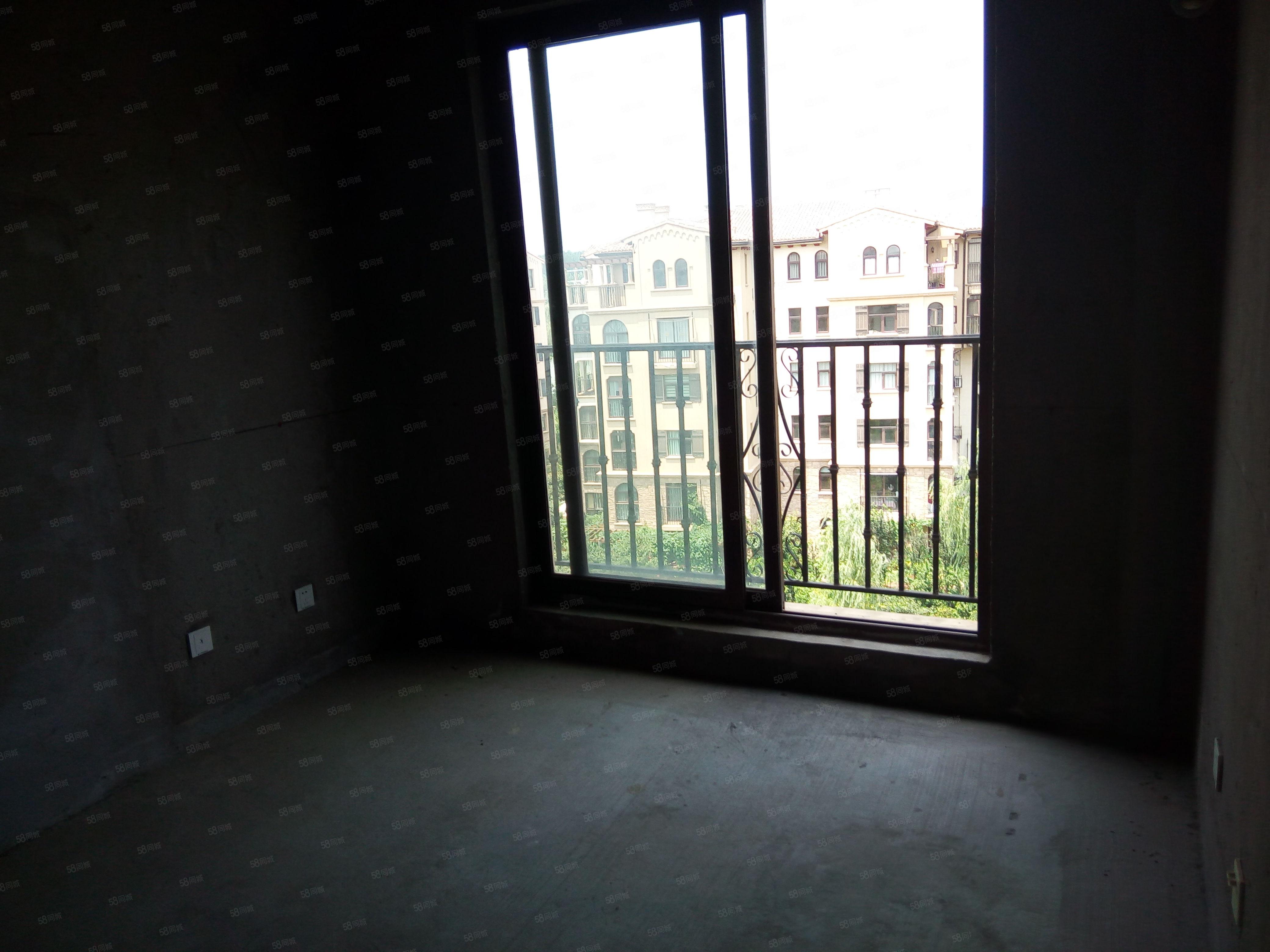 思念果岭三期60平米一室一厅临湖无税性价比高