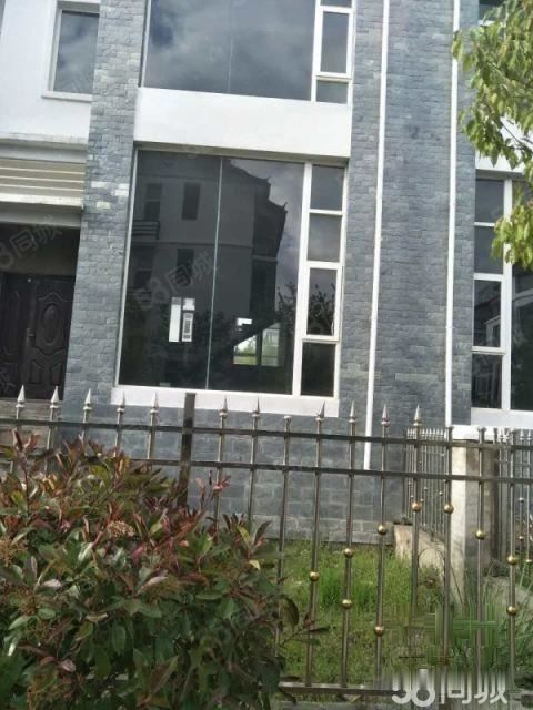不动产权证已在手湖畔春晓别墅292平米欧式风格仅售92
