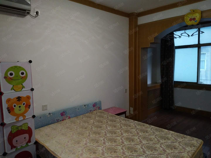 省政府家属院,紫荆山地铁口,停车方便拎包入住三室一厅