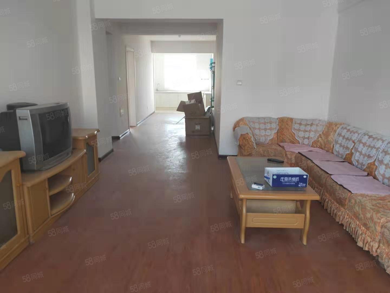 欧康附近恒正两室两厅南北通透简单装修中间楼层拎包入住