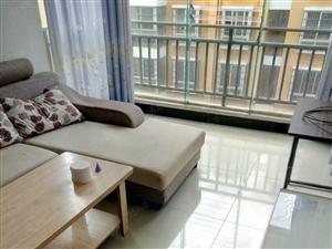 望龙苑4楼2室可做饭带床沙发热水器茶几油烟机等家具出
