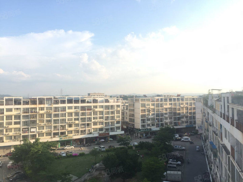 送空中私家花园香城A区南向复式房实用面积达200平方