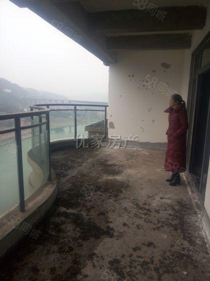 正江景大户型三室中层清水