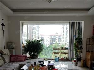 创泰华景4楼精装3室2厅2卫小区中间位置停车方便