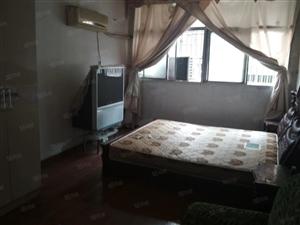 高杆灯旁两室简装家具家电齐全拎包入住看房方便