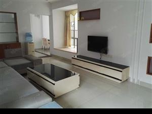 碧水湾2100元2室2厅豪华装修,干净整洁,随时入住