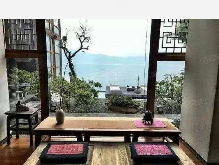 广龙小镇独栋名宿客栈,不一样的名族风情