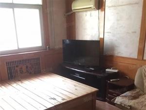 三厂北区二楼两室一厅60平,31万