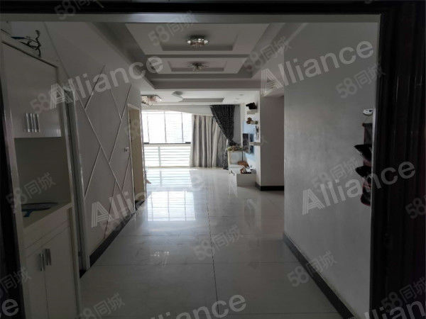 观湖鑫城3室2厅1卫