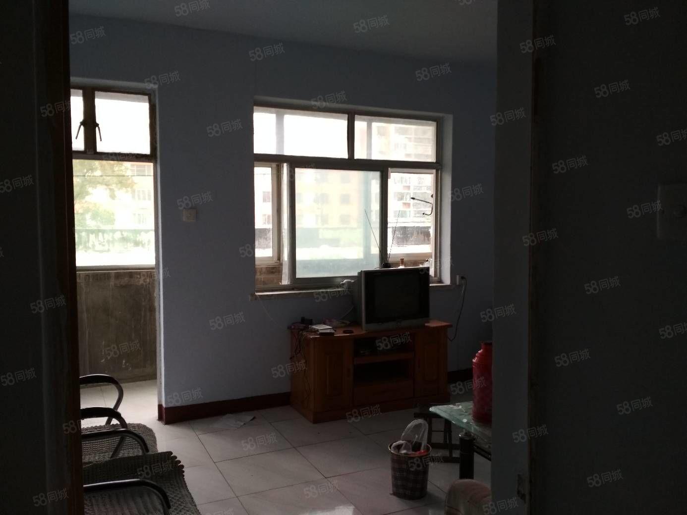 岱庙东湖公园杆石桥小区南区3楼家具空调