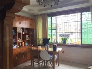 泸县福天路添福苑4室买的就是大户型,图的就是省心。