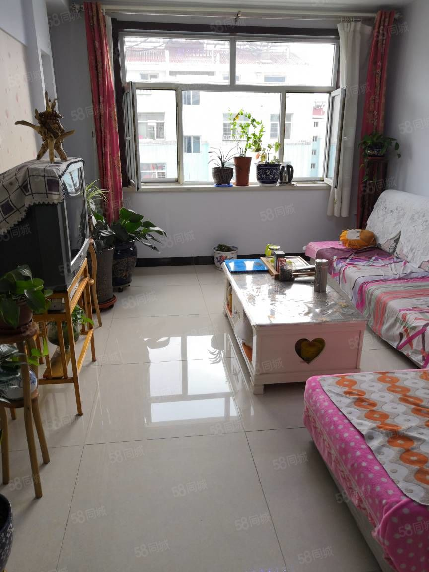 棚户区恒安新区v区h户型,精装修带家具家电,带9平米地下室