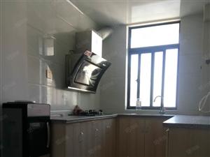 出租:巨融小高层2室1厅精装家具家电齐全1400/月