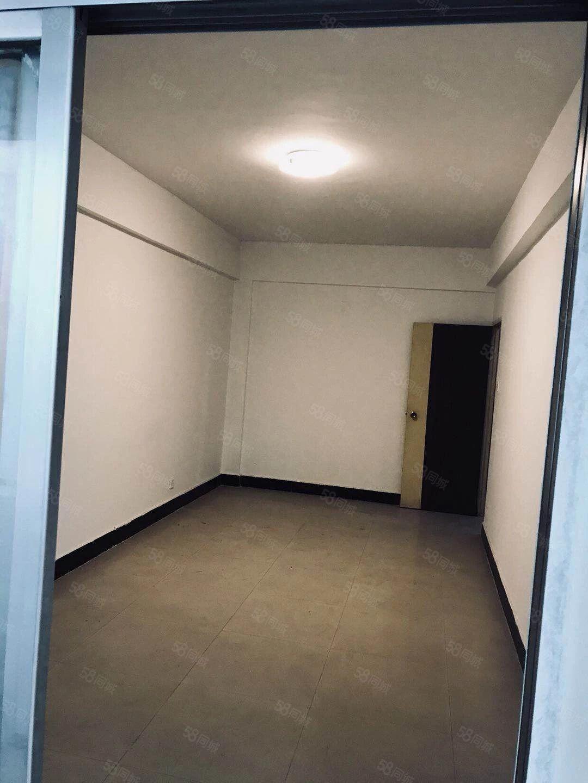 文苑大厦简装大两室租办公