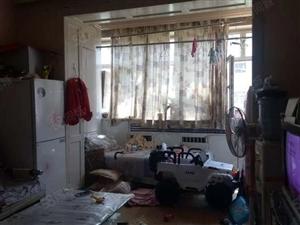 7000/售阿勒泰路浩翔金山59精装四楼一梯两户原房照片
