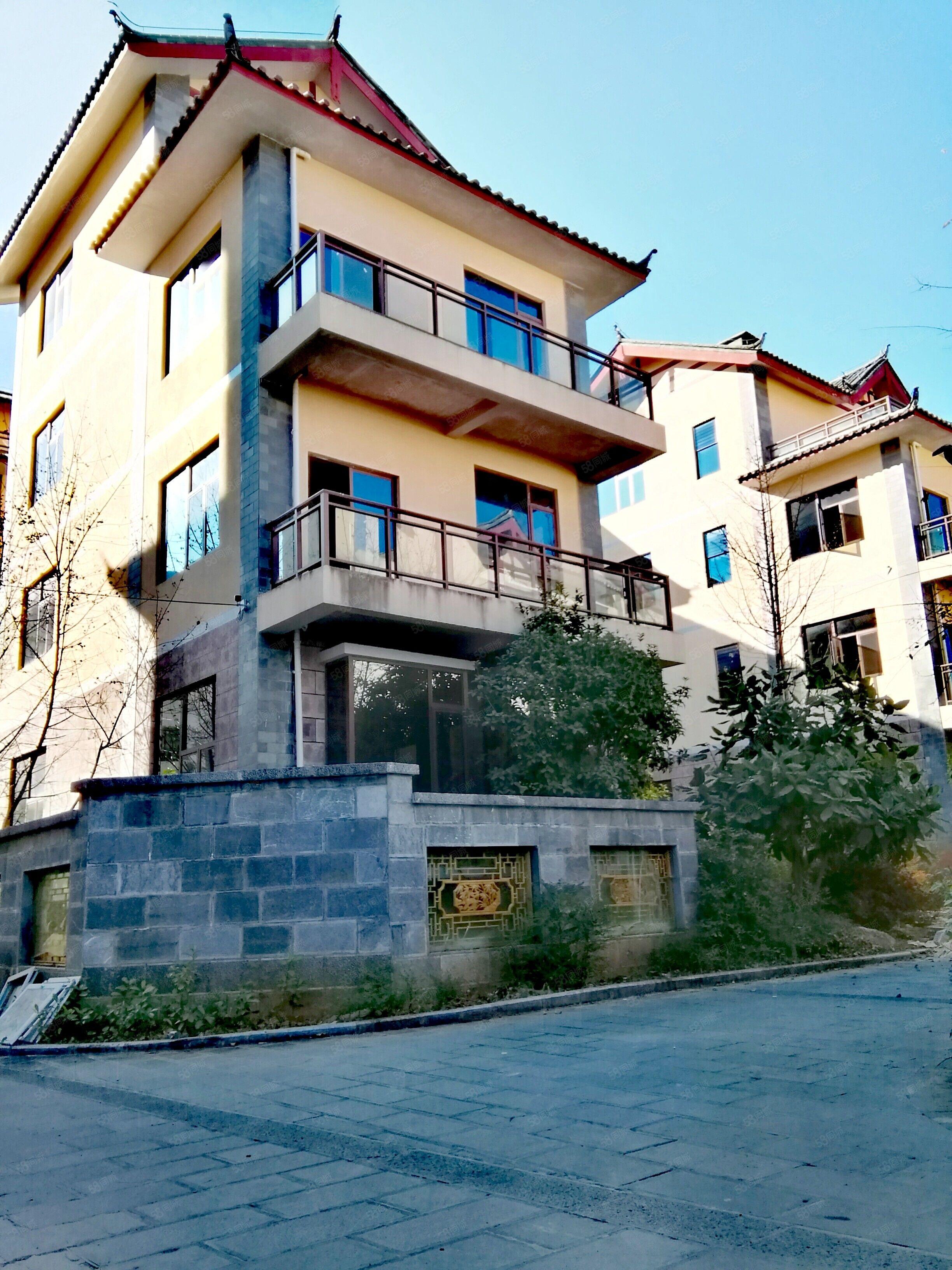 小面积精装修景观房急售、现房、环境优美、格局方正、总价低