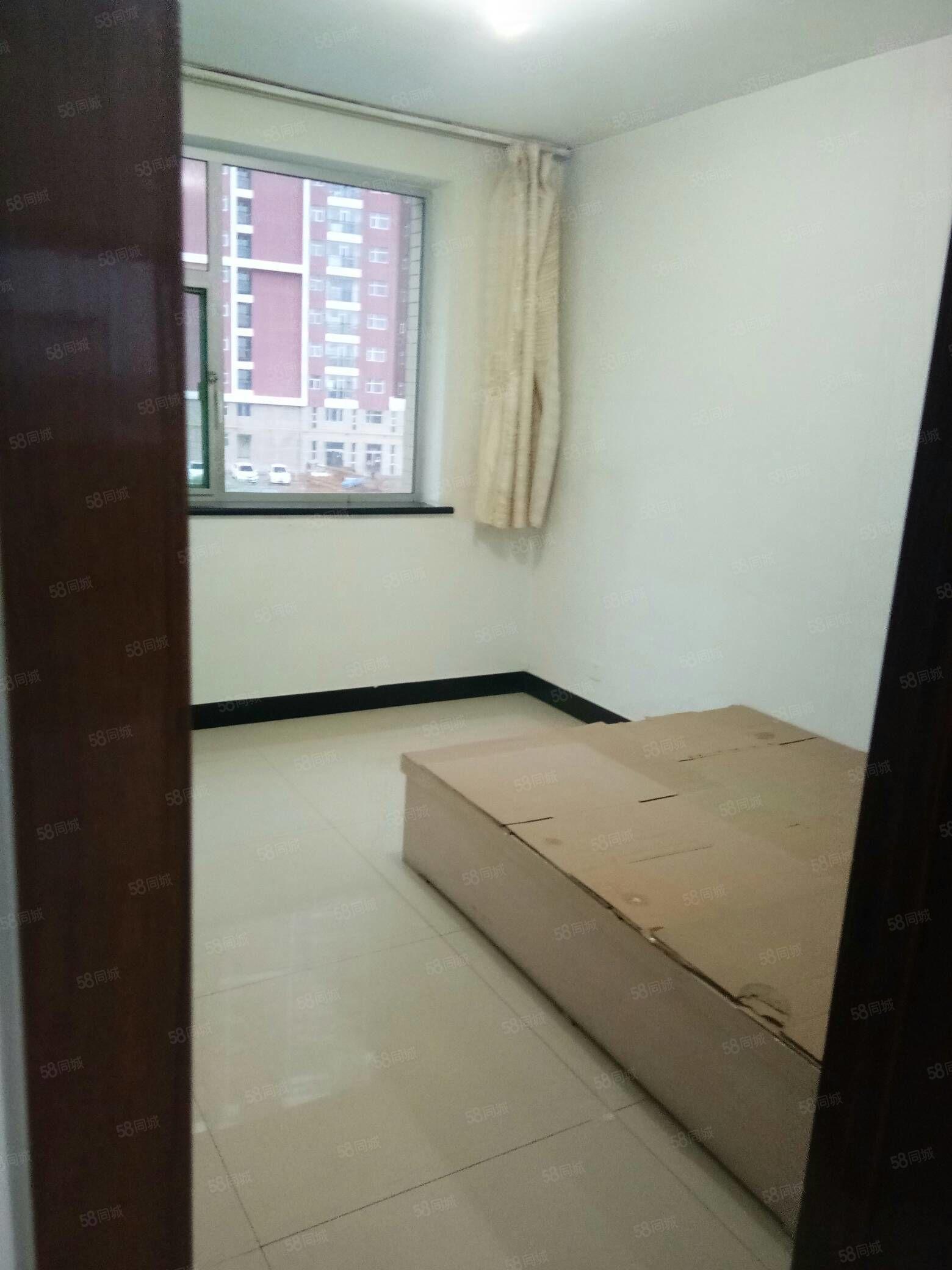 开发区,三层,拎包入住,房子非常干净,小区方便停车