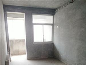 35万急售永兴街五小对对面新宇小区多层电梯房三楼带平台