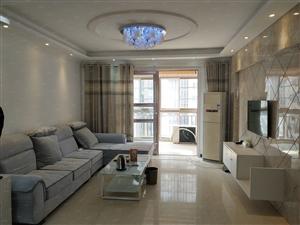 国购名都有三室精装房子出租