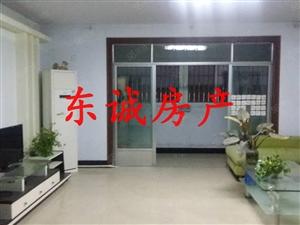 警苑小区与万达一路之隔大四室中等装修拎包入住