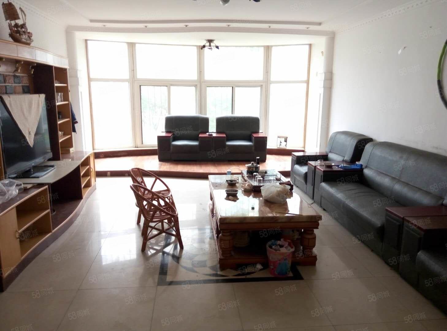 望海花园,160平3室2卫,1楼1楼,可商用可住宅!