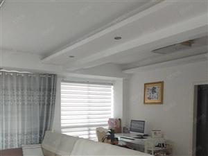 江南水乡电梯中层,三室两厅