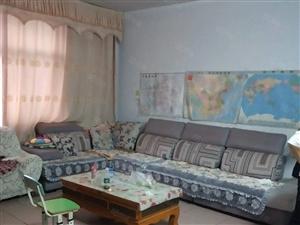 家属院简单装修有空调热水器