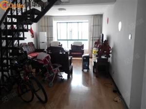 龙湖花园可做员工宿舍三房带阁楼三个房间不临街路有电梯