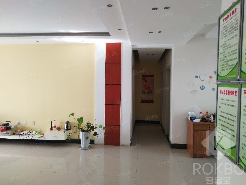 电梯房,复式办公楼,精装修,超大空间,便宜租