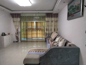 精装新房出租,四楼三室一厅
