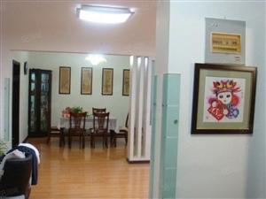 胶南滨海新村精装大套三拎包入住家电家具齐全每月2300