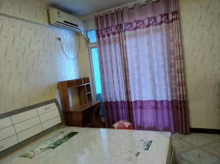 小北街《酒店式公寓》1室1厨1卫精装全齐1000干净漂亮