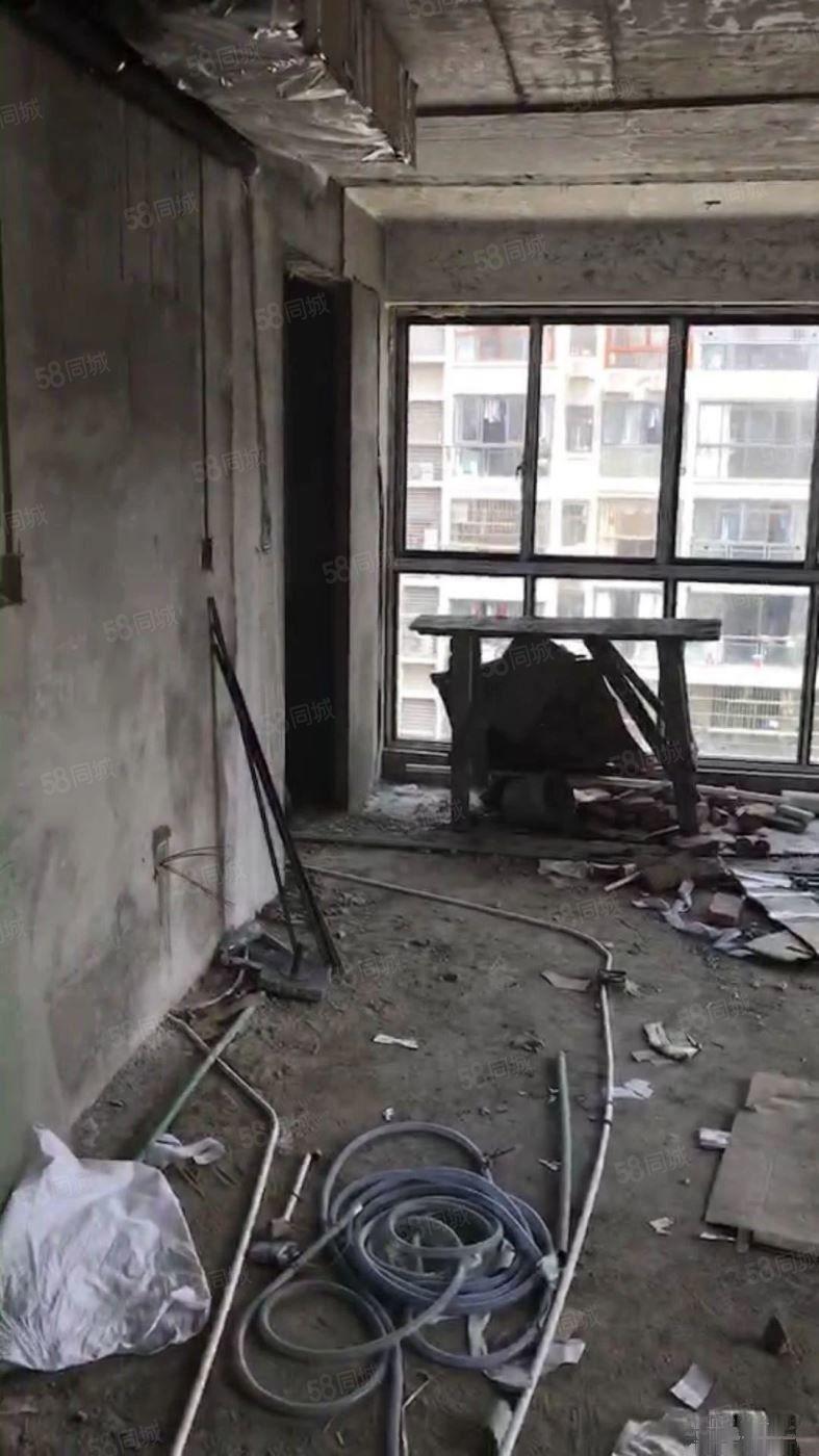 一手税收低三层复式楼中楼南北通透首付三成使用面积三百平