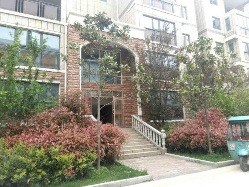 七一路大庆路口3/4复式楼,5室3厅4卫可按揭,皆官商邻居