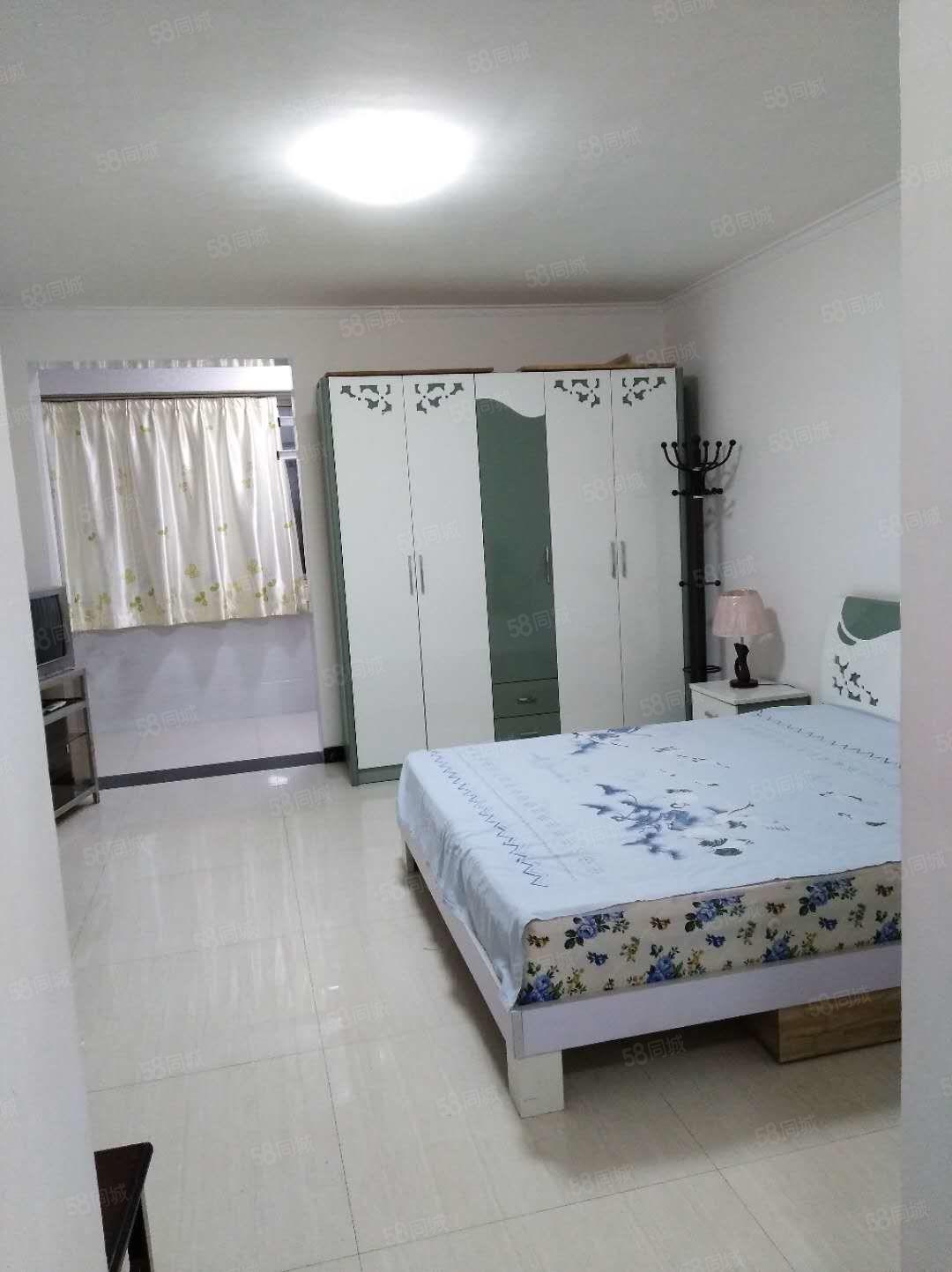 北门口名城小区一室一厅拎包入住在一层有地暖