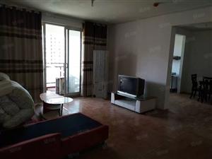 优山美地租房年租1500元。家具家电齐全。