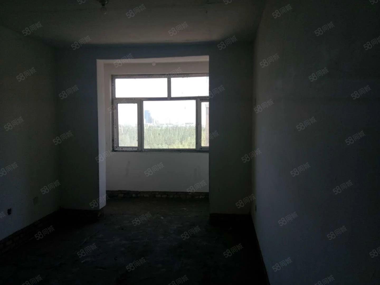 出售恒安区棚户区C区三室一厅六层毛坯地理位置相当好