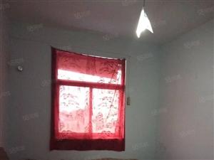 子弟学校附近,3楼,3室,带简单家电