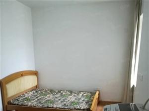 龙腾北路,小洋新城单身公寓租出南北通透。