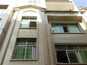 东方城旁私房出售,占地80.5楼1底