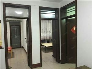 新世纪广场3室精装有储藏室押一付三家具家电齐全随时